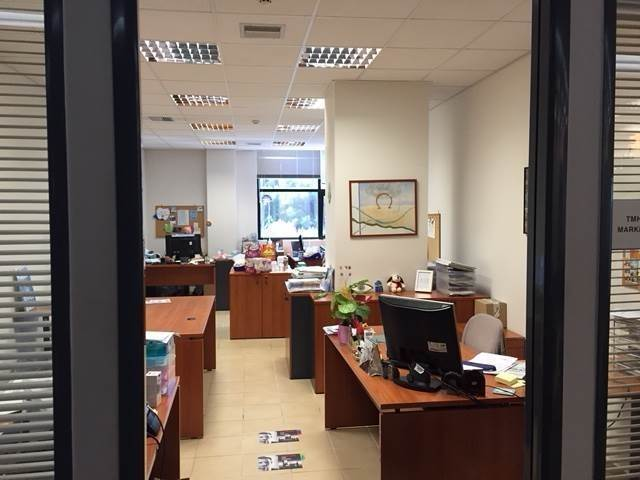 (For Rent) Commercial Office || Athens North/Kifissia - 2.000 Sq.m, 20.000€